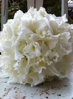 Beautiful white composite bouquet or glamelia of gladioli - the bouquets of ascha jolie #gladiola #glamelia #compositebouquet