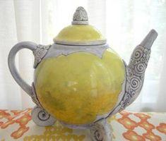 Love teapots.