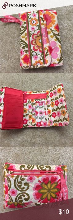 Vera Bradley wallet Vera Bradley wallet, trifold with slots for cash, ID, cards, etc. small zip pouch on the back for change. Snap closure. Vera Bradley Bags Wallets