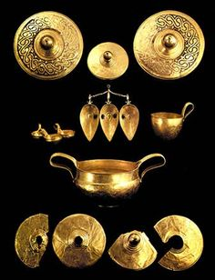 The Valchitran golden treasure was unearthed in 1925 in the village of Valchitran, Pleven., The biggest golden treasure known to the Bulgarian archaeology – 12,5 kg of pure gold with natural alloys of silver, copper and iron was found by chance while digging up a vineyard. It consists of 13 items: