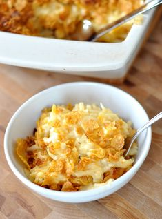 Cheesy Au Gratin Potatoes - uses frozen hash browns but no cream soup