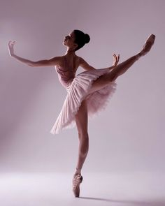 Login Stunning photo of Lilia Kaliko captured by Darian Volkova 🌸 Related posts:Kostenloses Bild auf Pixabay - Ballerina, Ballett, Tanz, Tanzen- Photoideas. Dance Photography Poses, Dance Poses, Ballet Pictures, Dance Pictures, Modern Dance, Dance Baile, Bachata Dance, Dance Choreography, Best Dance