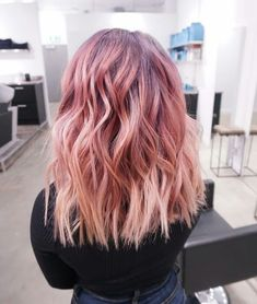 Ombre hair: the most beautiful color gradients and if we dared ombre hair? Best Ombre Hair, Ombre Hair Color, Hair Colors, Ombré Hair, Bad Hair, Blonde Hair, Medium Hair Styles, Short Hair Styles, Coloured Hair
