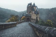 Cold morning at Eltz by Michiel Pieters #xemtvhay
