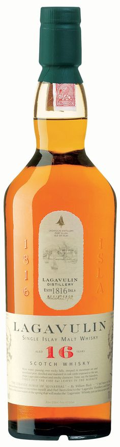 Il primo della riserva domestica: Lagavulin - 16 anni. L'aristocratico di Islay, quello spocchioso e superiore nel suo aspetto così dimesso. Niente sito web, niente colori accesi o confezioni accattivanti. È un whisky. Torbato. Di Islay. Invecchiato 16 anni. Fine.