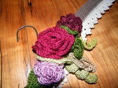 Vintage Crochet Hanger tutorial by RubyRed Eclectic - Can make less elaborate decoration....