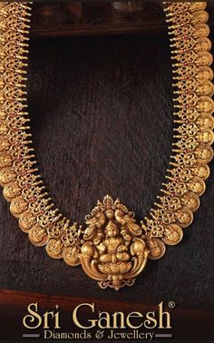Our rebeled good jewellery obsession is persistent, and this blush-toned correct is ideal for presenting each of your clothes that in fact pretty boldly colored streak. Antique Jewellery Designs, Gold Jewellery Design, Handmade Jewellery, Gold Temple Jewellery, Gold Jewelry, Gold Necklace, Jewelery, Diamond Jewelry, Dainty Jewelry