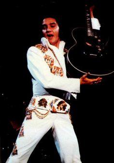 Elvis live in June 1974.
