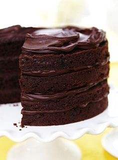 10 chocolate desserts for Saint-Val . - Realize the dream of any chocolate lover by preparing these chocolate desserts - Best Ever Chocolate Cake, Amazing Chocolate Cake Recipe, Köstliche Desserts, Chocolate Desserts, Dessert Recipes, Cake Chocolate, Chocolate Filling For Cake, Chocolate Christmas Cake, Chocolate Fudge Frosting