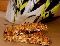Cereal bar - Barras de cereal rápidas  http://decoraciondemabel.blogspot.com.es/2012/11/barras-energeticas-super-rapidas.html