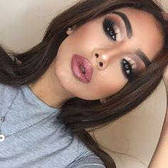 "Before I changed my lipstick colour ""Envy"" @gerardcosmetics . Details - Face:. - @marcbeauty coconut primer. - @anastasiabeverlyhills foundation stick ""Golden"". - @maccosmetics pro long wear ""NC35"" concealer. - @sleekmakeup contour kit & @thebalmeu Mary Lou highlighter. Eyes:. - @houseoflashes iconic lashes. - @benefitcosmetics ka-brow. - @anastasiabeverlyhills #masterpalettebymario. - @sigmabeauty wicked gel liner. #benefit #abhcosmetics #universodamaquiagem_oficial #hudabeauty #sigmabeauty…"