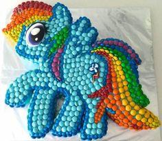 My Little Pony Cake Rainbow Dash - HowToCookThat : Cakes, Dessert. my little pony cake how to cook that (Cake Girl) Rainbow Dash Party, Bolo Rainbow Dash, Rainbow Dash Birthday, Cake Rainbow, My Little Pony Party, Bolo My Little Pony, Cumple My Little Pony, Anniversaire Rainbow Dash, Anniversaire My Little Pony