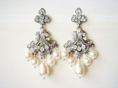 Saachi Art Deco Inspired Chandelier Pearls and Lace by Ausentes, $45.00
