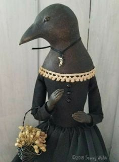 The Goode Wife of Washington County: Slacker. Textiles, Paper Clay Art, Halloween Doll, Halloween Ideas, Wow Art, Paperclay, Clay Figures, Clay Dolls, Doll Maker
