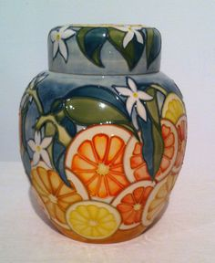 Moorcroft Florida Ginger Jaw MIB First Quality Pot