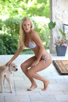 Jenny mccarthy naked feet and pussy