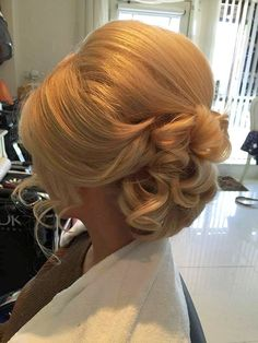 81 Charming Stacked Bob Hairstyles That Will Brighten Your Day - Hairstyles Trends Brown Ombre Hair, Ombre Hair Color, Bride Hairstyles, Pretty Hairstyles, Short Hairstyles, Hairstyle Ideas, Hair Up Styles, Style Hair, Coiffure Hair