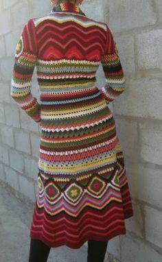 Картинка Crochet Poncho Patterns, Crochet Coat, Crochet Jacket, Coat Patterns, Crochet Cardigan, Crochet Clothes, Red Knit Dress, Dress With Cardigan, Boho Dress