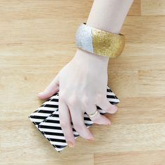 Easy colorblocked glitter bangle