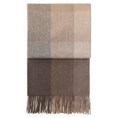 Kjøp Inca Stones pledd fra Elvang Denmark - NordicNest.no Modern Bedroom Furniture, Modern Bedding, Plaid Blanket, Royal Design, Stone Mosaic, Decorative Cushions, Alpaca Wool, Home Decor Kitchen, Modern