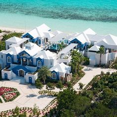 Happy Monday from the Turks and Caicos! #Mydreamhomeis #home #L4L #furniture #instafollow