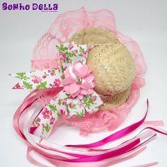 Descrição do Produto Tiara para festa junina com chapéu de palha e laço com  flor de cetim. Maria Rosales 0f4288a561f