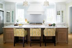 Beautiful kitchen by Andrew Howard Interior Design featured in the House of Turquoise blog.