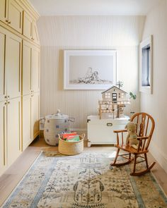 Modern Cottage Wallpaper We Love - Chris Loves Julia Loving this sweet playroom corner with the nostalgic yellow stripe wallpaper. Yellow Playroom, Playroom Rug, Playroom Design, Yellow Girls Rooms, Playroom Paint Colors, Playroom Ideas, Cottage Wallpaper, Chris Loves Julia, Interior Trim