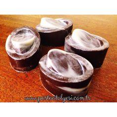 White chocolate espresso bonbon