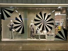 display-design-le-chateau-retail-instore-display-1