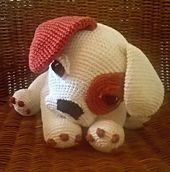 This sweet puppy dog will steal your heart with his big puppy eyes. The pattern is for a life size puppy dog, sitting down this fellow is 25 cm (about 10 inches). His limbs are thread jointed so he can sit or lay down.