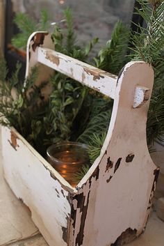 Shabby white and greenery I  have just got to make me one of these tool caddies