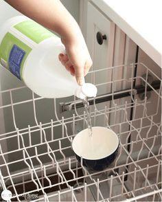 L'entretien du lave-vaisselle en trois étapes simplesnoté 3.7 - 27 votes On n'a pas forcément idée de s'occuper de l'entretien du lave-vaisselle jusqu'au jour où l'on se retrouver face à un problème (odeurs, saletés et nourriture incrustées, résidus dus au produit utilisé…). Cela nous rappelle alors que ce n'est pas parce qu'un appareil sert à … More