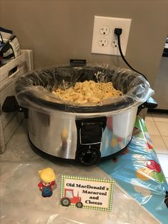 Mac and cheese – My WordPress Website Cow Birthday, Horse Birthday Parties, Cowboy Birthday Party, Farm Animal Birthday, Tractor Birthday, Birthday Ideas, Barnyard Party Food, Farm Party Foods, Farm Themed Party