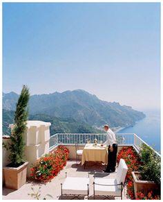 Dining overlooking the ocean <3