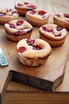 Čerešňové bublaninky - Recept pre každého kuchára, množstvo receptov pre pečenie a varenie. Recepty pre chutný život. Slovenské jedlá a medzinárodná kuchyňa