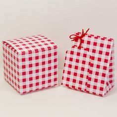 Free red and white Gingham check favour or gift box, bag and tag.