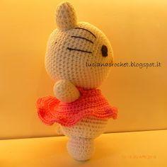 Luciana Crochet, calabrese ,vive a Roma , appassionata di uncinetto, realizza su tutorial e schemi.