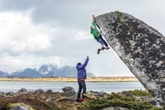 www.boulderingonline.pl Rock climbing and bouldering pictures and news courage. compassion.