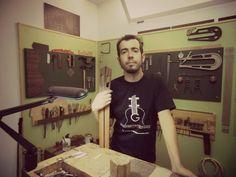 Samuel Perez Constructor Artesano Colaborador de la Fundación Guitarra Flamenca. www.fundacionguitarraflamenca.com