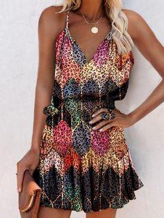 Tie Dye Outfits, Suspender Dress, Trend Fashion, Mini Vestidos, Summer Dresses For Women, Dress Brands, Types Of Sleeves, Spaghetti, High Waist