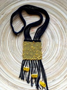 Hand woven necklace with sunstone Weaving Textiles, Weaving Art, Loom Weaving, Tapestry Weaving, Textile Jewelry, Fabric Jewelry, Diy Necklace Making, Rope Art, Terracotta Jewellery