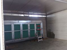 Paint booth. Custom built to any size and configuration, and according to every need. Visit www.tech-wood.it for technical specifications and photos of all our products.