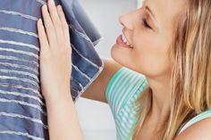 Truques fáceis para consertar roupas em situações de emergência