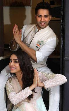 Indian Bollywood actress Shraddha Kapoor poses during a promotional. Indian Celebrities, Bollywood Celebrities, Beautiful Celebrities, Bollywood Couples, Bollywood Stars, Indian Bollywood Actress, Indian Actresses, Varun Dhawan Movies, Shraddha Kapoor Saree