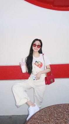 Tiffany Hwang, Kim Tae Yeon, China, Korea Fashion, Aesthetic Girl, Beautiful Soul, Kurt Cobain, Snsd, Girls Generation