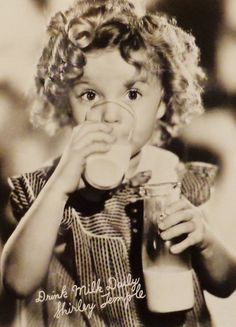 Shirley Temple, 1935. - Advertising Milk.