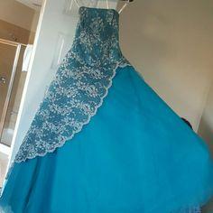 Tiffany designs A very elegant engagement dress terqose blue worn once Tiffany & Co. Dresses Maxi