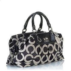 Coach Handbags   For more 2010 Coach handbags, please visit this link: Coach Handbags ...