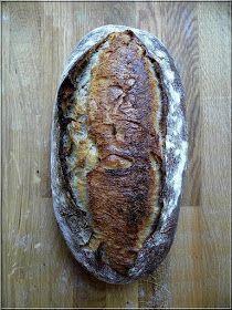 Nagyon sok kérést kapok a kovásszal, a kovászos kenyerekkel kapcsolatban, ezért most lépésről-lépésre megmutatom, hogy én hogyan készí...